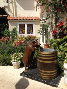Pig at the trough, Via Flora, West Palm Beach, FL